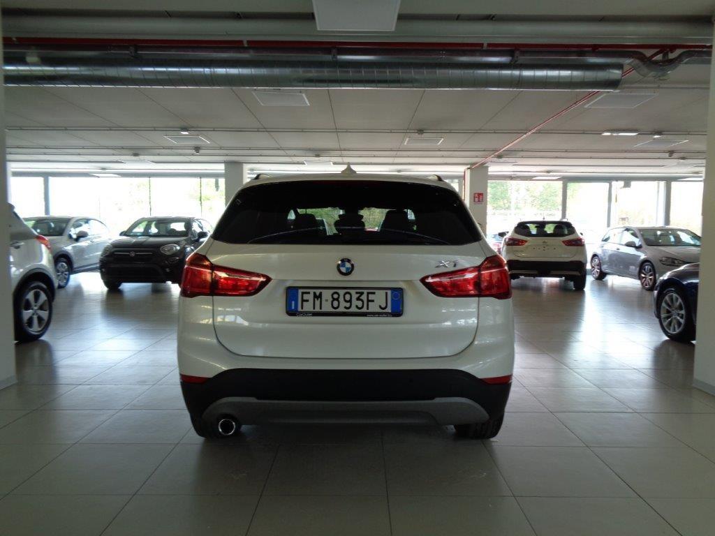 BMW X1 sDrive18d Business Aut. Diesel usata - 4