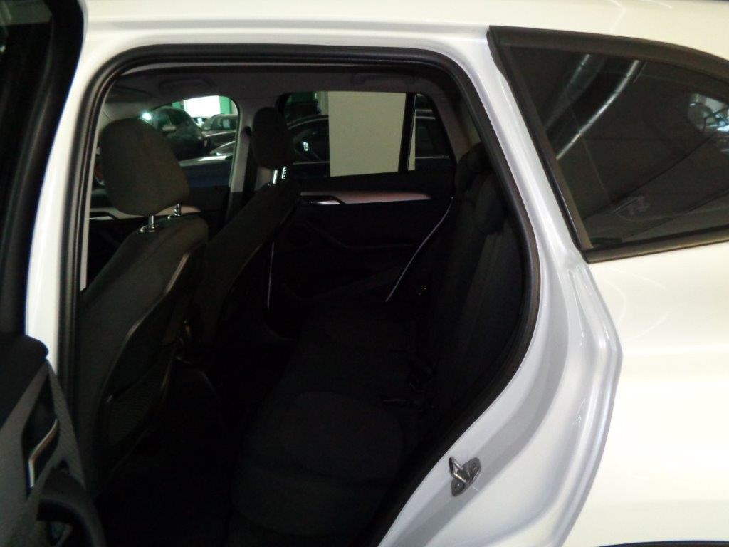 BMW X1 sDrive18d Business Aut. Diesel usata - 10