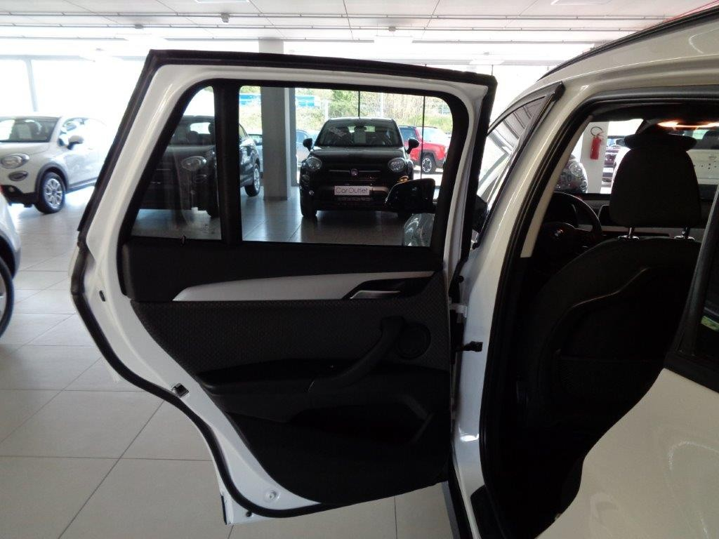 BMW X1 sDrive18d Business Aut. Diesel usata - 11