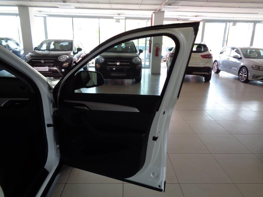 BMW X1 sDrive18d Business Aut. Diesel usata - 14