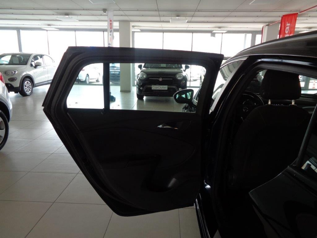 OPEL Astra 1.6 CDTi 136CV Start&Stop Sports Tourer Business Diesel usata - 11