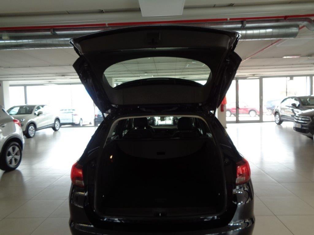 OPEL Astra 1.6 CDTi 136CV Start&Stop Sports Tourer Business Diesel usata - 17