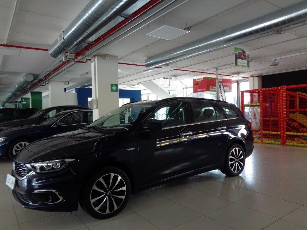 FIAT Tipo 1.6 Mjt S&S SW Lounge Diesel usata