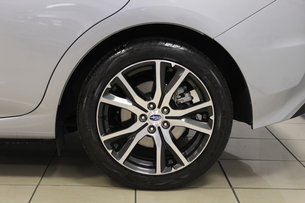 SUBARU Impreza 1.6i Lineartronic Style Navi Benzina usata - 3