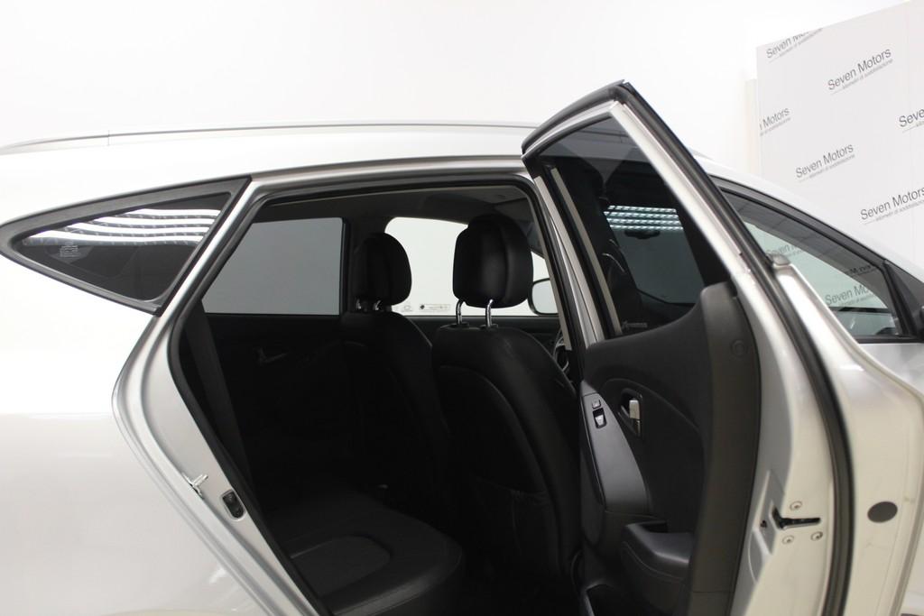 HYUNDAI ix35 2.0 CRDi 4WD Xpossible A/T Diesel usata - 8