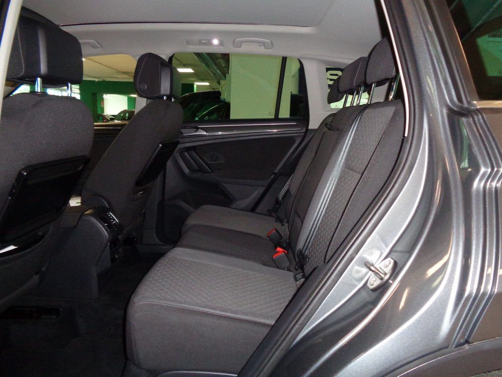 VOLKSWAGEN Tiguan 2.0 TDI SCR DSG 4MOTION Business BMT Diesel usata - 10