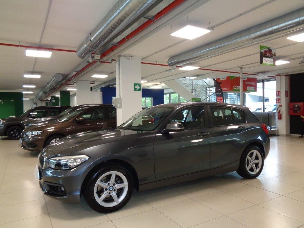 BMW 118d 5p. Advantage AT Diesel usata